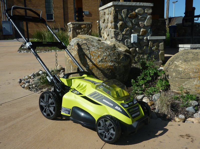 'Solar' mower debuts in park